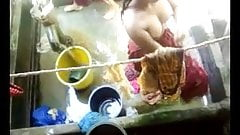 Bangla desi village girls bathing in Dhaka city HQ (5)