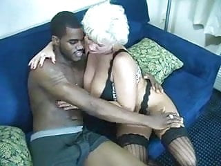 Have not cum - Very sexy mature lady having sex with a bbc and cum