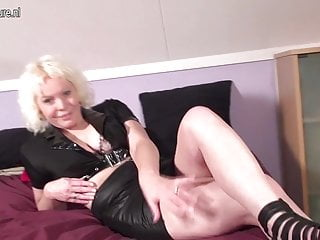 Adult bed wetting and lupus Squirting dutch mature mother wetting the bed