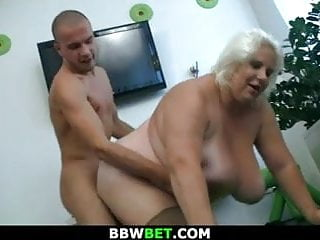 Huge Blonde Lady Getting Doggystyled XhMuFaC