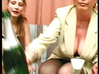 Nudist in house - Classic german skilled mother fucks everyone in house film