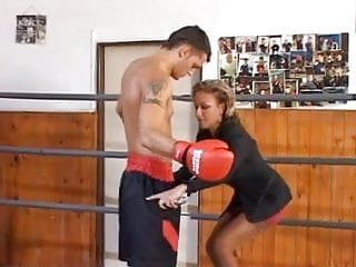 Etiquette for pantyhose interview 2008 Delfynn delage interviews a boxer