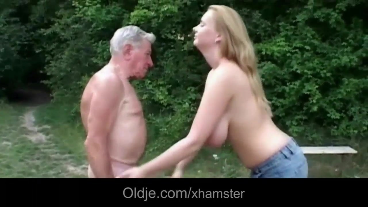 Big Tit Blonde Deepthroat