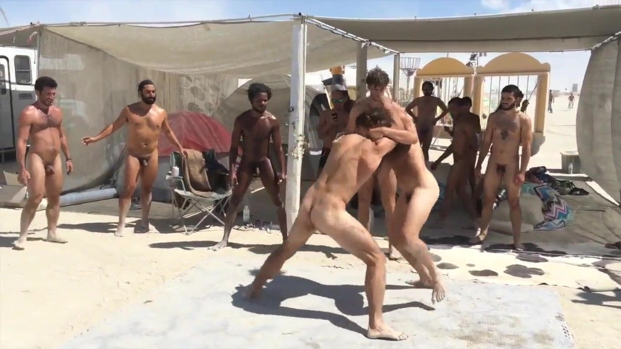 burning man nude frauen titten