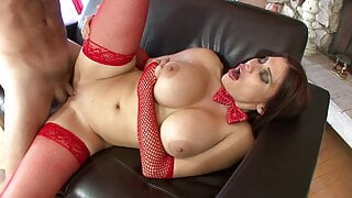 Busty MILF in sexy Santa costume gets her cunt licked by man