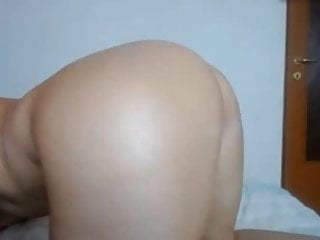 Pee traffic jam - Teen jams pink dildo in ass and fingers pussy till cum