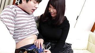 Japanese fuck doll Amiru Kinohara sucks dick, uncensored