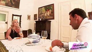 Deutsches Paar hat dreier mit Haushaelterin