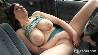 Chesty Yanks Amber Toy Her Pussy In The Car