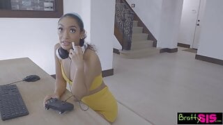 My Step Sis Is A Gamer Girl - S18:E10