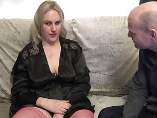 Girl who take on dildos - Girl who cant stop masturbating takes on and oldie