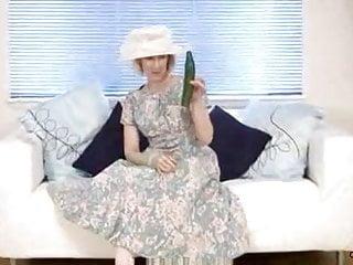 Interracial mature housewife sex tube Mature housewife fucks a cucumber