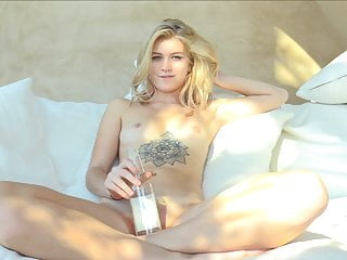 Long thin deep insertion cunt - Preciosa blondie bottle deep insertion in shaved pussy