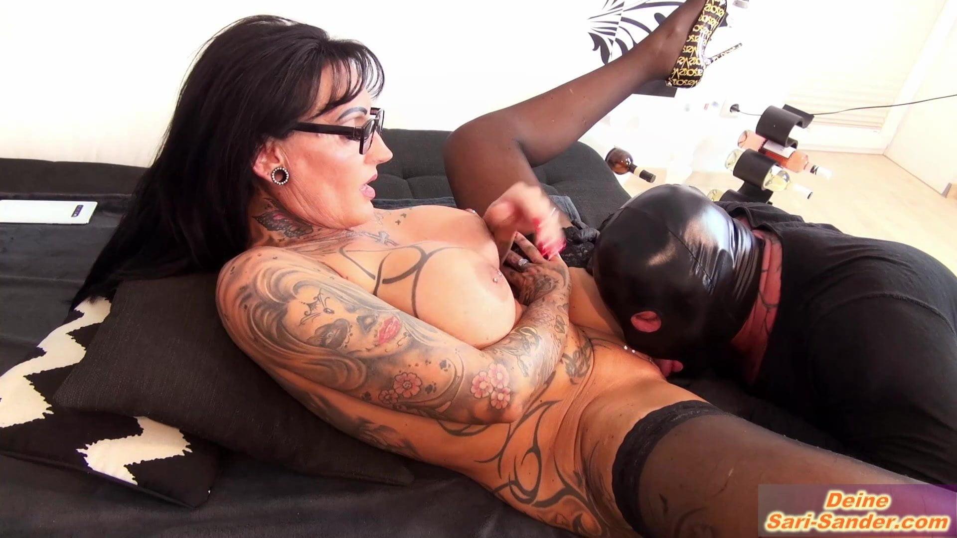 Deutsche Hausfrau mit Dicken Titten im Doppelfick