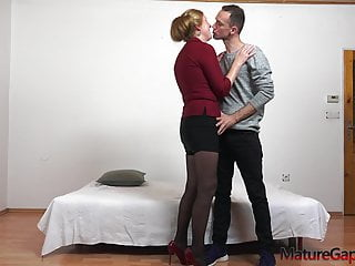 Fuck old mature women Young boy gapes pussy and anally fucks a wet horny granny