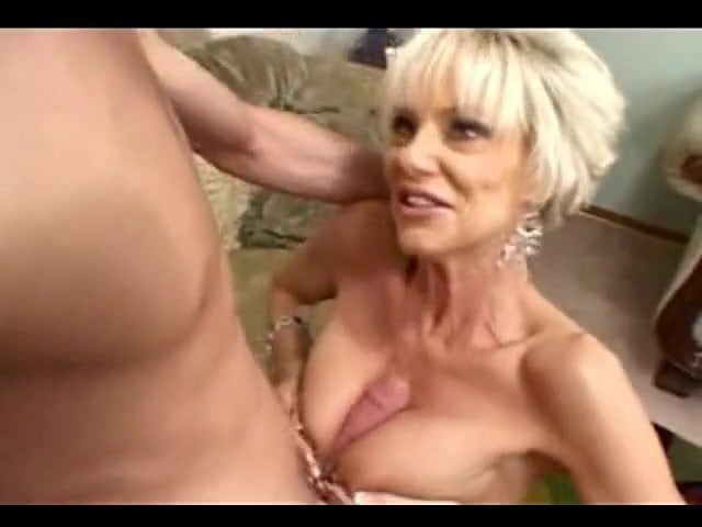 Short Haired Girl Creampie