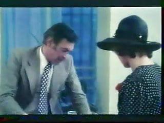 Girl hairy jewish Pornotissimo 1977