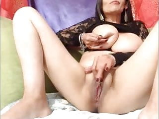 Daisy van heyden milky tit pictures - Big milky boobs on webcam