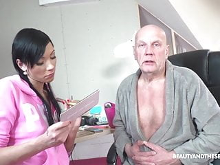 Senior citizen orgy videos 65 yo citizen hammers makeup artist