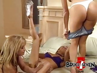 Bruce vintage amplifiers - Bruce seven - anal loving sluts in a threesome