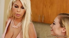Classy stepmom pussylicked by teen beauty