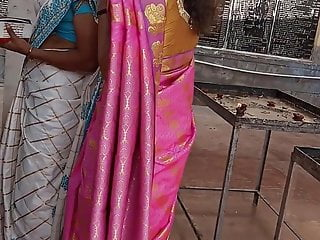 Big boob girl hot young - Tamil hot young girl side boobs in saree at temple hd