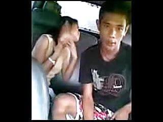 Mobile gay asian Indonesia- mobil dijadikan tempat ngentot