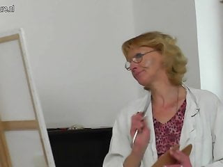 Glamerous mature models Old granny paintress gets fucked by her young model