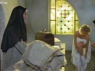Eleonora xxx - Eleonora giorgi - storia di una monaca di clausura