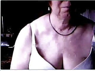 Dont overlook mature - Great. my mom on webcam dont recognize my cock