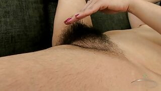 Tracey Anne is mature, hairy and lovely