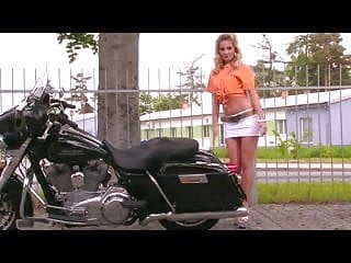 Sex on motorcycle vodeo Sex and motorcycles - this gorgeous blonde undresses
