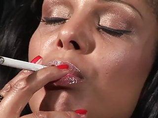 Smoking females while having sex - Smoking india babe having sex