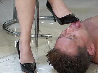 High heel pornstar Satomi suzuki high heel licking slave and whipping
