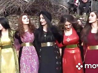 Tennage girls boobs Kurdish girls boobs shaking