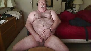 horny fat daddy screaming as he cums on cam