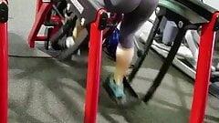 Teen gym booty