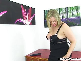 Older british pantyhose - An older woman means fun part 290