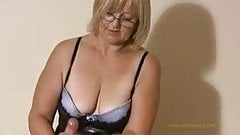 Mrs.W handjob