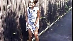 Latin girl outdoor upskirt peeing in ally near townhouses 1