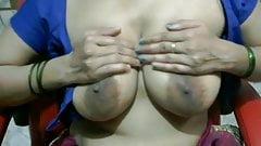 Indian bhabi big boobs