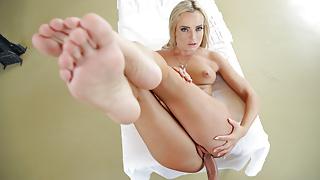 Anita Bellini gives in to cock temptation - itsPOV