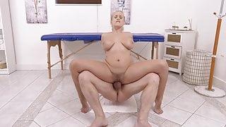 Angel Wicky Massage Pussyfuck Squirt 4K