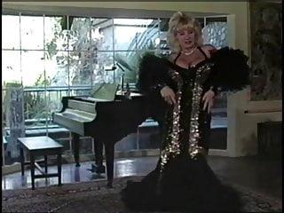 Suzie teen blond - Suzie boobies striptease