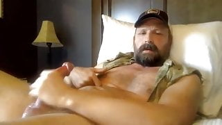 Hot redneck daddy shoot 4 days load into his mouth