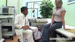Извращенная пациентка Landarzt Fickt