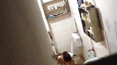 Desi indian bathing on hidden cam