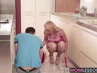 Gina sees her stepmom sucking her bf