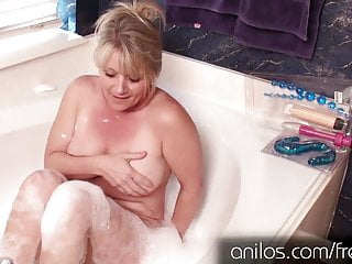 Amateur sex video cougar Amateur cougar uses toys for full body orgasm