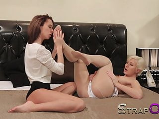Lesbian making love /video on web Strapon blonde and brunette lesbians making love with sex to